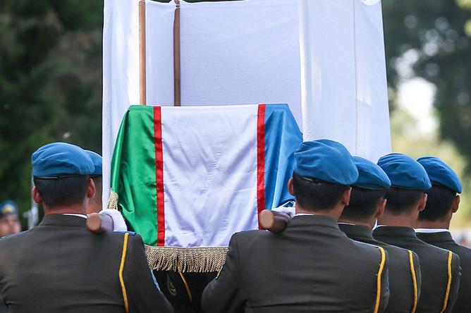Церемония прощания с президентом Узбекистана Исламом Каримовым у международного аэропорта «Ташкент»