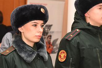 Демонстрация образцов обмундирования, средств защиты и вооружения для военнослужащих Росгвардии в Подмосковье, 10 февраля 2017 года