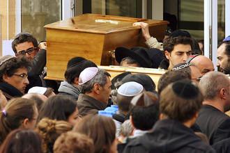 Вечером во вторник самолет с телами погибших будет отправлен в Израиль, где в среду пройдут похороны