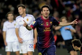 Леонель Месси после одного из своих голов в ворота «Сарагосы»