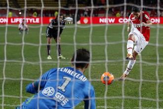 Фалькао не реализовал пенальти в матче против «Валансьена»