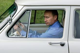 Путин и Медведев обеднели