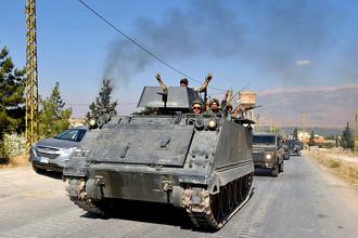 Ливанские солдаты на бронетранспортерах