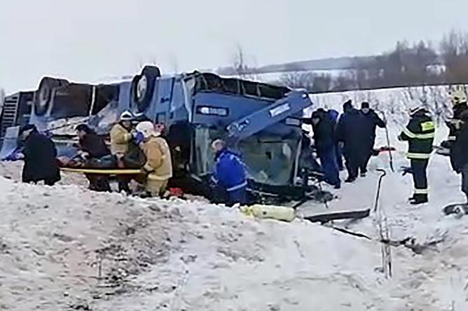 Последствия ДТП с участие автобуса с детьми в Калужской области, 3 февраля 2019 года