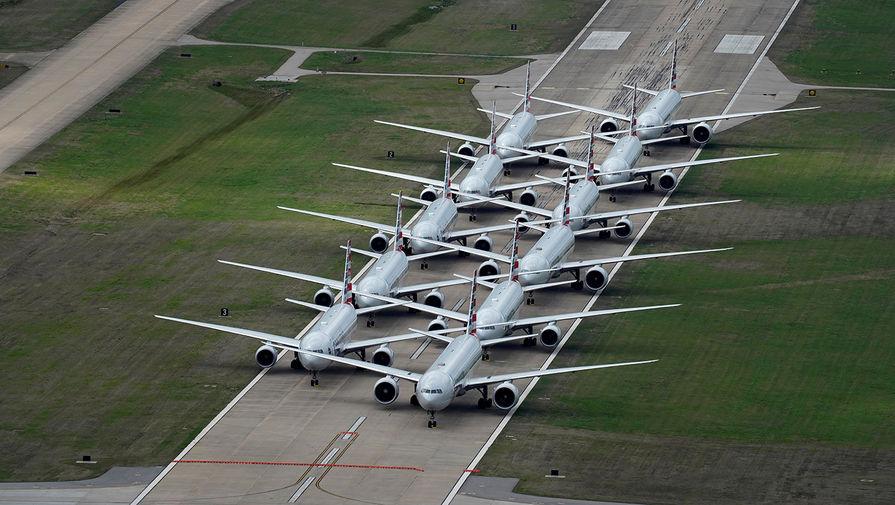 Самолеты авиакомпании American Airlines в аэропорту Талсы, штат Оклахома, США, 23 марта 2020 года