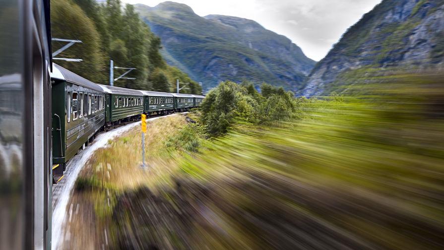 Названы самые популярные направления для путешествий на поезде летом