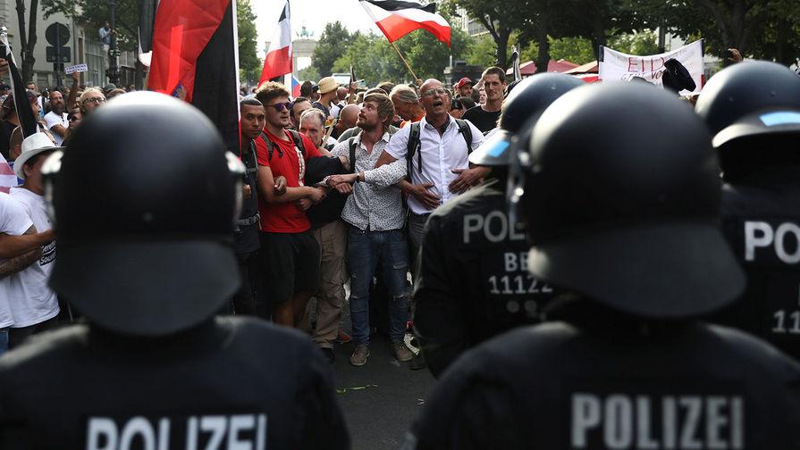 «Путин!» В Германии пояснили выкрики протестующих