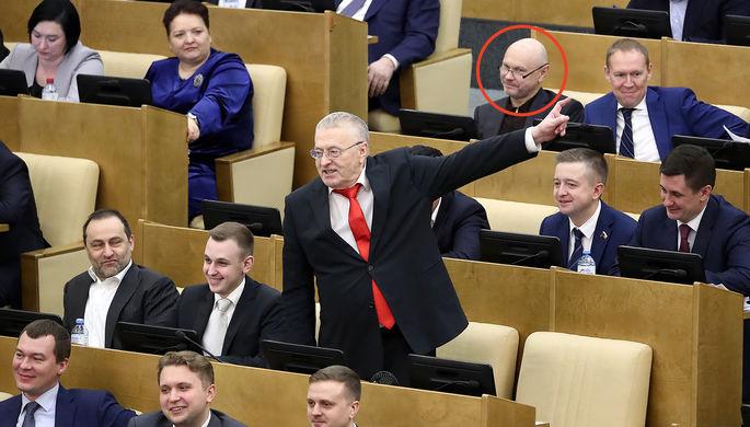 Три ряда: депутатов Госдумы отправили на карантин