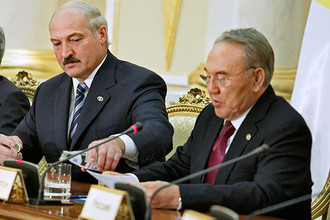 Лукашенко и Назарбаев высказались против политической составляющей евразийской интеграции