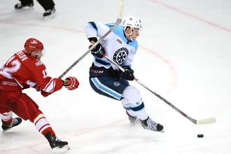 «Сибирь» играет со «Спартаком» в первом туре КХЛ