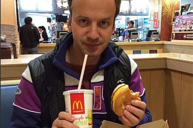 Вице-премьер РФ <b>Аркадий Дворкович</b> (12 тыс. подписчиков) тоже любит выкладывать в инстаграм фотографии своей еды