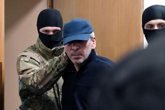 Временно исполняющий обязанности председателя правительства Республики Дагестан Абдусамад Гамидов в Басманном суде Москвы по обвинению в мошенничестве, 6 февраля 2018 года