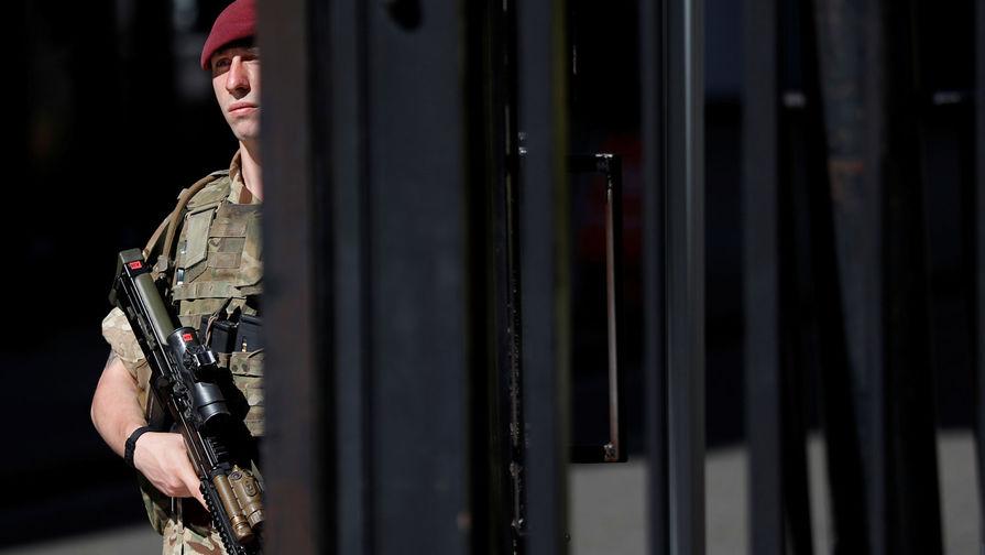 С террористов на Россию: к чему готовят британский спецназ
