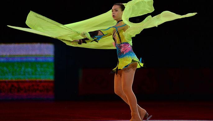 Аделина Сотникова во время показательного выступления на XXII зимних Олимпийских играх в Сочи, 2014 год