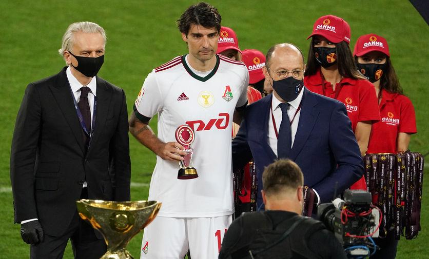 Защитник «Локомотива» Чорлука отпраздновал победу над ЦСКА пивом