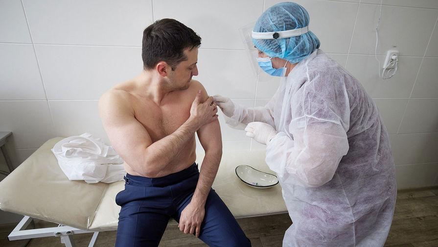 В Минздраве Украины рассказали о самочувствии Зеленского после прививки от COVID-19