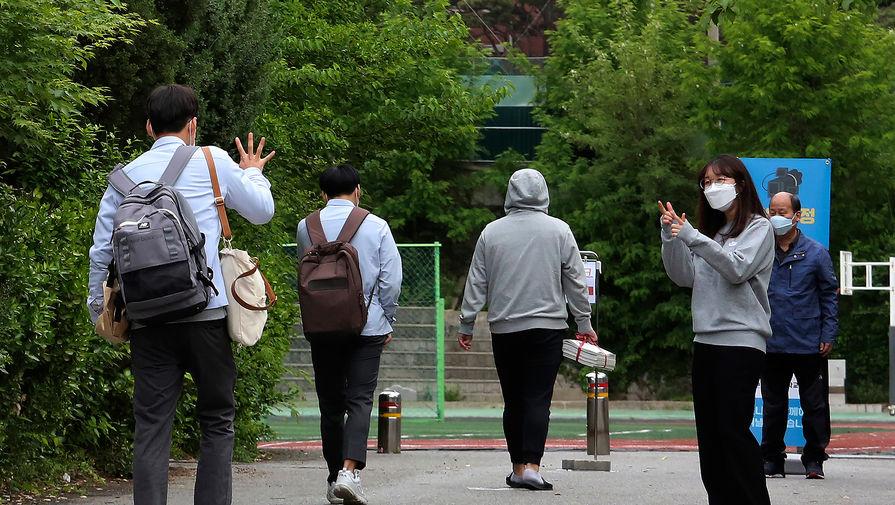 Школы в Сеуле перестанут следить за цветом нижнего белья учеников