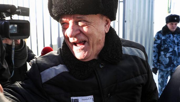 Бывший полковник ГРУ Владимир Квачков после выхода из исправительной колонии №5, 19 февраля 2019 года