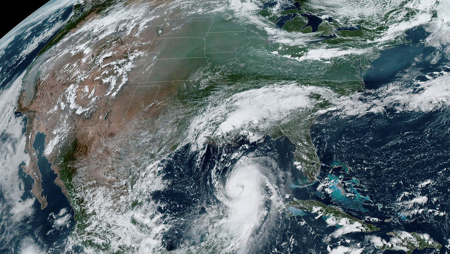 Снимок из космоса на котором виден ураган «Лаура», 26 августа 2020 года