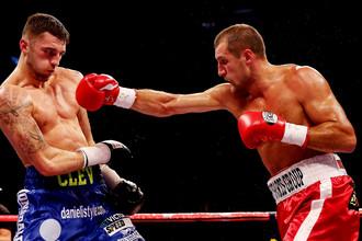 Сергей Ковалев (справа) по праву считается самым зрелищным российским боксером