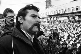 Лех Валенса на митингах «Солидарности» в Польше