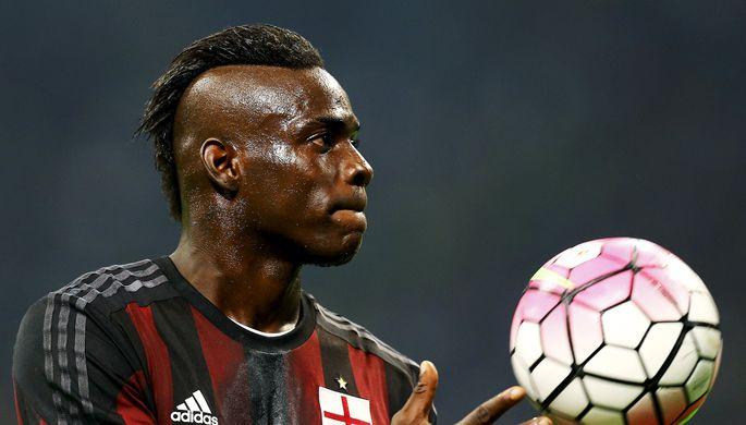 «Черный, бегущий от полиции»: как в СМИ унизили футболиста «Барсы»