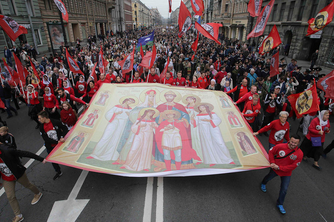 Крестный ход в честь дня перенесения мощей Александра Невского в Санкт-Петербурге, 12 сентября 2017 года