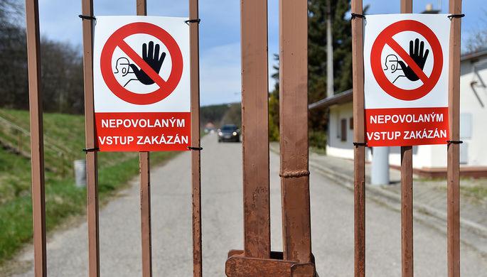 «Наносят ущерб Чехии»: в Праге заявили о спекуляциях вокруг взрывов и «Спутника V»