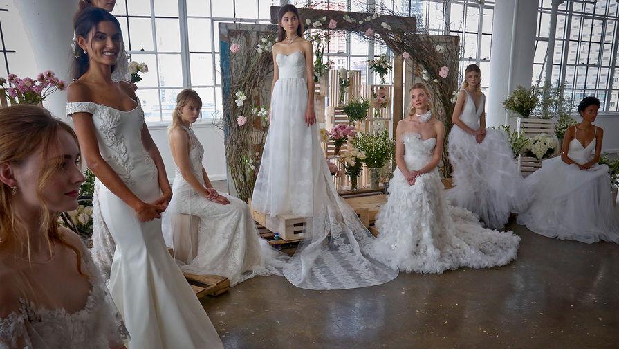 Свадебная коллекция Marchesa, 2017 год