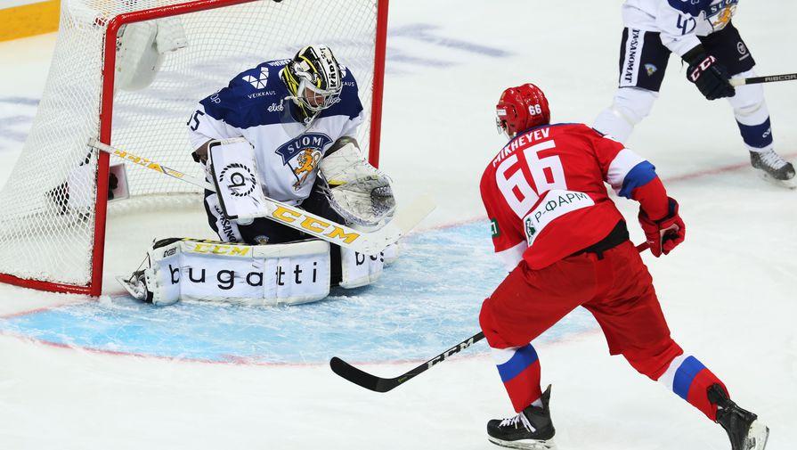Хоккеист сборной России Илья Михеев