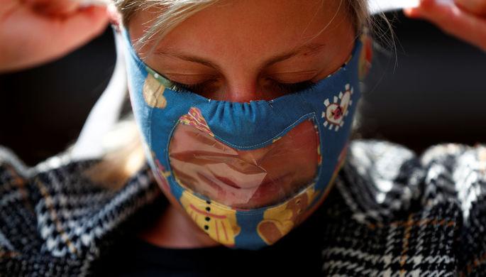 Двойная изоляция: маски усложнили жизнь глухих