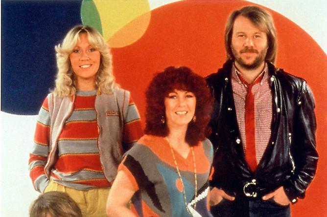 Группа ABBA получилась из творческого дуэта Бенни Андерссона и Бьорна Ульвеуса и солисток Анни-Фрид Лингстад и Агнеты Фельтског