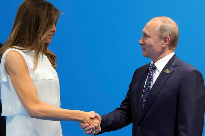 Первая леди США Меланья Трамп и президент России Владимир Путин, 7 июля 2017 года