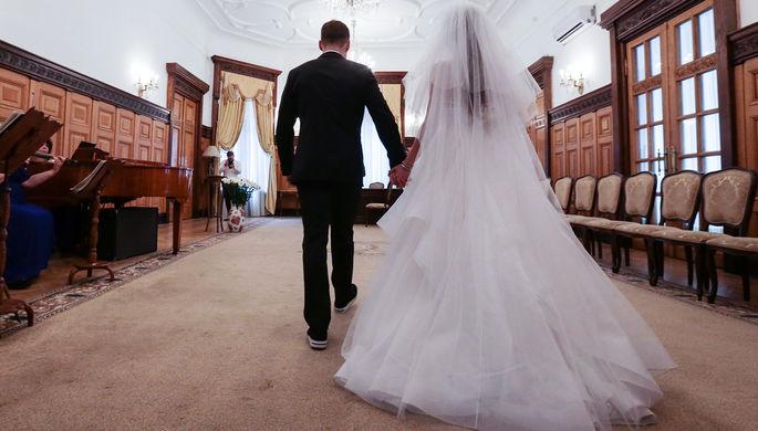 Замуж невтерпеж: Минюст планирует изменить брачный возраст