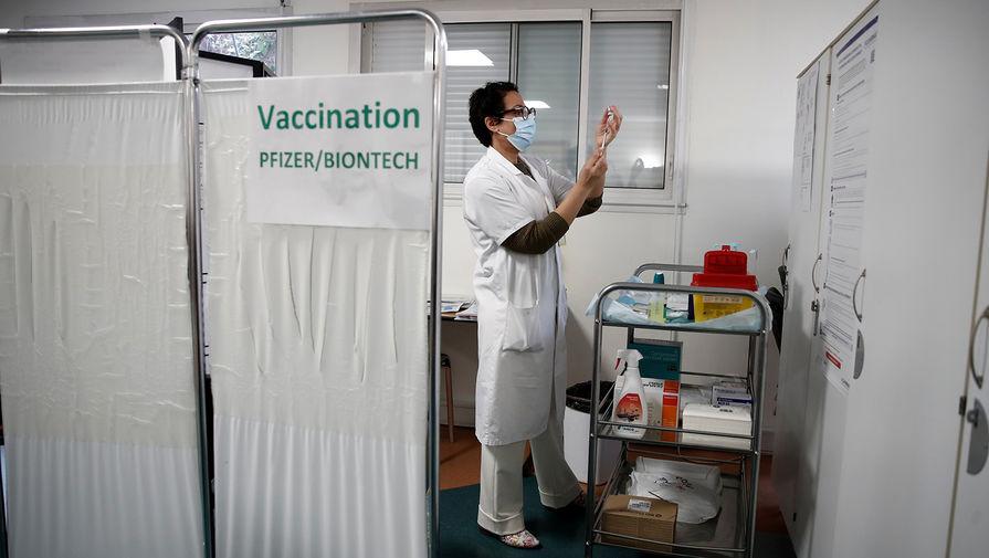 Pfizer и BioNTech подали заявку на применение вакцины от COVID-19 для подростков в ЕС