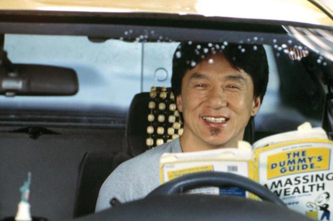 Джеки Чан в фильме «Смокинг» (2002)
