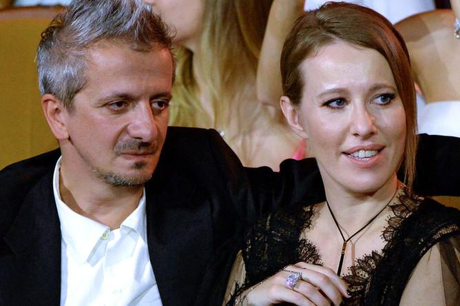 Телеведущая Ксения Собчак и режиссер Константин Богомолов во время церемонии открытия кинофестиваля «Кинотавр» в Сочи, июнь 2019 года