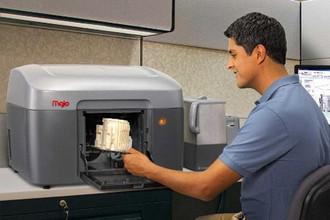 С помощью 3D-принтеров уже можно напечатать ложку или даже робота