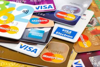 Чем больше кредитных карт берут граждане, тем хуже банковской системе РФ