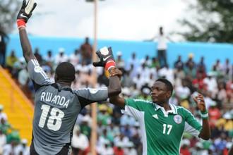 Ахмед Муса в матче отборочного турнира на Кубок Африки в июне против Руанды