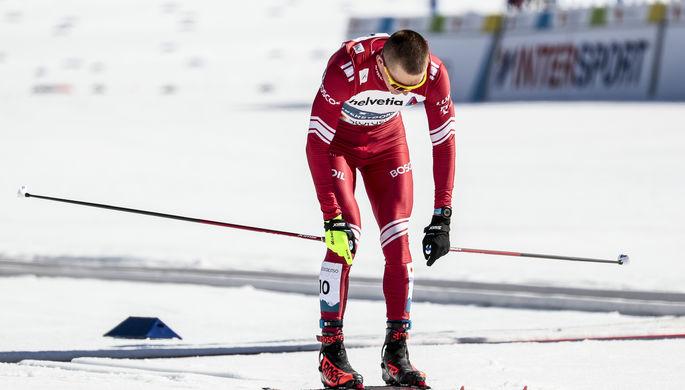 Российский лыжник Александр Большунов на финише спринта на чемпионате мира — 2021