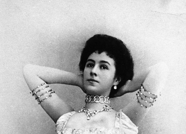 Солистка Императорского Мариинского театра Матильда Кшесинская в балете «Дочь фараона», 1900 год
