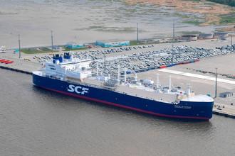 Арктический танкер-газовоз «Кристоф де Маржери» (ледового класса Arc7), разработанный для проекта «Ямал СПГ», во время церемонии имянаречения в глубоководном порту «Бронка», 3 июня 2017 года