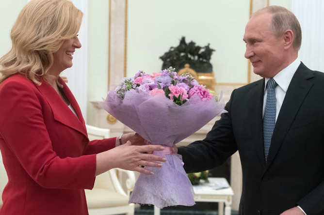 Президент Хорватии Колинда Грабар-Китарович и президент России Владимир Путин во время встречи в Кремле, 15 июля 2018 года