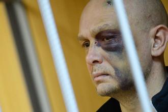 Адвокат Эдуард Буданцев, фигурант дела о перестрелке на Рочдельской улице перед рассмотрением ходатайства об аресте в Пресненском суде, Москва, 18 декабря 2015