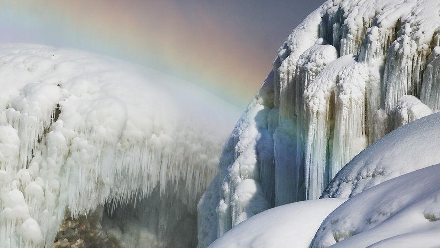 Радуга над Ниагарским водопадом, февраль 2021 года
