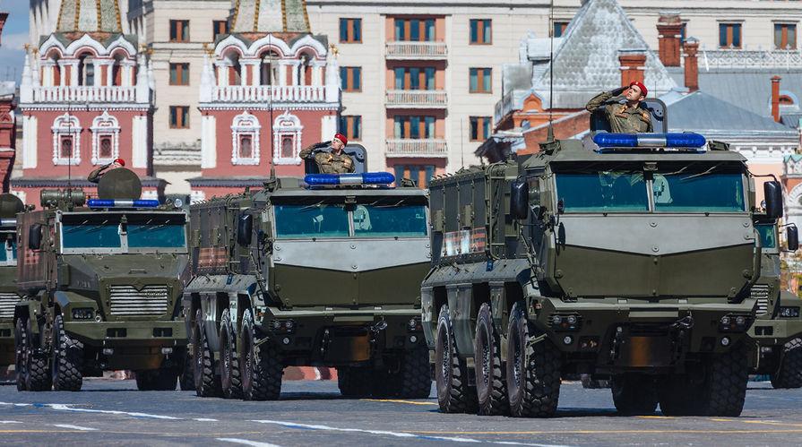 """Бронеавтомобиль """"Тайфун-К"""" на генеральной репетиции военного парада в Москве, 7 мая 2017 года"""