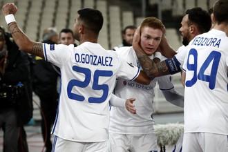 Футболисты киевского «Динамо» в матче Лиги Европы против АЕК