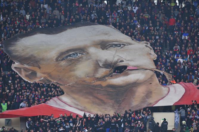 Болельщики ЦСКА вывесили оскорбительный баннер в адрес Андрея Тихонова