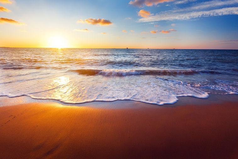 Путешествия. Пляжный отдых в марте